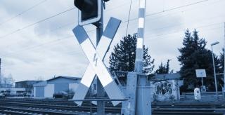 Verkehrszählung an einem Bahnübergang in Neuburg
